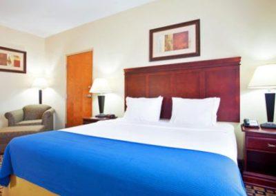 UORA_Hotels_HolidayInn_04