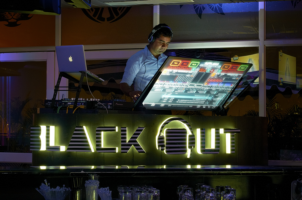 Under One Roof Hotel Consulting. Blackout Lounge Bar